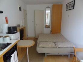 Studio flat in 46 Penywern Road Penywern Road, Chelsea, SW5