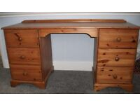 Full Sized 6 Drawer PINE Knee hole DESK in Good overall Condition