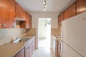 Bright & Spacious 2 Bedroom Apartment in Olds! 403.550.3764