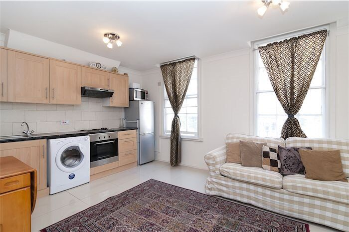 *** ONE 1 BEDROOM FLAT * WITH PRIVATE TERRACE * VERY CLOSE TO MARYLEBONE AND BAKER STREET ***