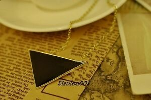 Black-Enamel-Triangle-Pendant-on-a-Gold-Tone-Chain-Necklace-NEW-SEALED