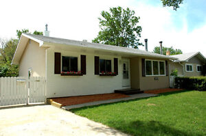 SAFE, Family Home, Clean, 3 Bedroom House
