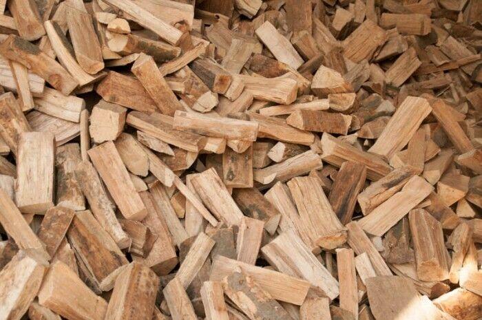 Kaminholz Esche trocken 25 cm im Karton Brennholz ofenfertig Feuerholz Ofenholz