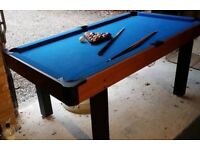 Pool table 6x4 - balls/2 cues/ triangle included
