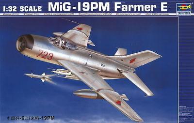 Trumpeter 9362209 MiG-19PM Farmer E/Shenyang F-6 1:32 Jagdflugzeug Modellbausatz