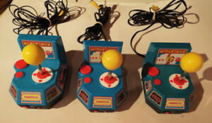 3 Namco Ms. Pac-Man Plug & Play with 5 TV Games