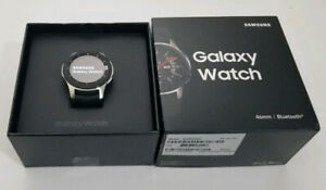 New Samsung Galaxy Watch S4 46MM SIlver / Black Smartwatch