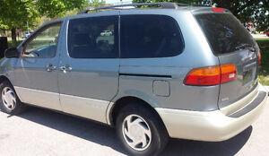 2000 Toyota Sienna Minivan, Van