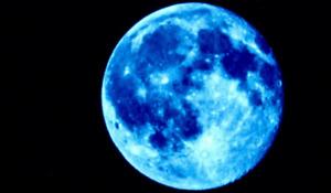 Magie blanche et rouge voyance puissance de la pleine lune bleu