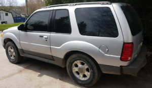 2002 Ford Explorer 4X4 LOW MILAGE