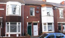WALLSEND | CLOSE TO SCHOOLS | 3 Bed Upper Flat | ON STREET PARKING | Long Term | Min Age 25 | R227