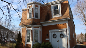 New Price!!!  350 Dufferin Row - Upstairs (Video Available)