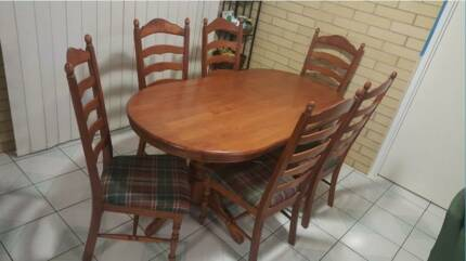 7 Piece dinning set- (dinning table + chairs) Merrimac Gold Coast City Preview