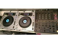 2 x Pioneer CDJ800 MK2 turntables & DJM600 mixer *Will accept offers*