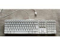 Apple Keyboard with 2 USB Ports