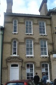 First floor modern 2 bedroom apartment in the centre of Attleborough