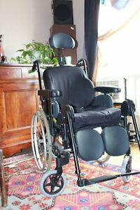 Wheelchair fauteuil roulant