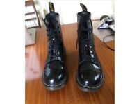 Dr Martens boots size 6. Never worn.