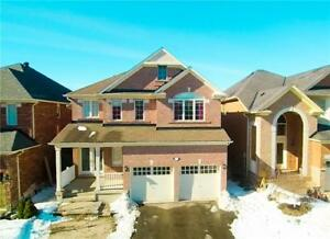 Two story House for rent in Richmond Hill