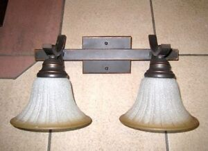 2-light Wall Lamp in good condition