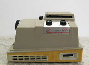 Vintage 8mm Revere Automatic Projector With Case Regina Regina Area image 3