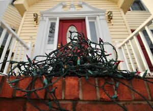 WANTED:     OLD OR USED EXTERIOR CHRISTMAS LIGHTS  ANY LENGTH.