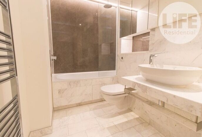 3rd floor ONE BEDROOM FLAT in new CHARRINGTON TOWER, NEW PROVIDENCE WHARF, E14 9AY, porter, gym