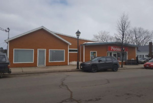 MOTIVATED SELLER 4000+ sq-ft Commercial Building $115,000 obo