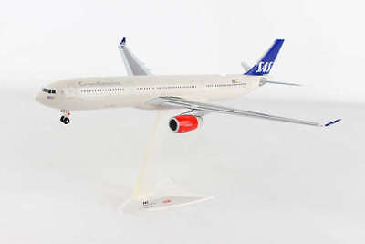 scandinavian airlines case Fly with scandinavian airlines within scandinavia, europe or asia and the us book your flight ticket today.