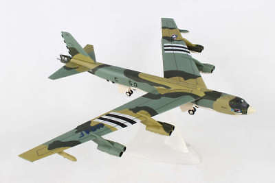 HE559003 HERPA WINGS USAF BOEING B52H 1/200 644TH BS SOMEPLACE SPECIAL 1:200