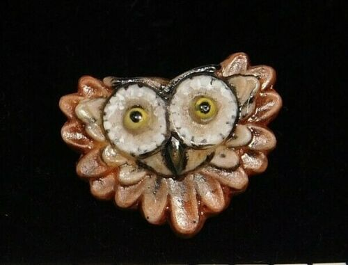 Collectible BUTTON Small OWL Face in Hand Painted Ceramic NICE!  #13M