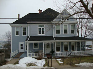 SEAVIEW Queen Anne Sea Captians House in Digby Town w/Income