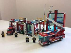 Complete Lego Set - Fire Station (7208) with free gift
