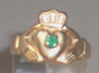 VINTAGE 14K YELLOW GOLD EMERALD CLADDAGH RING SIZE 6.75