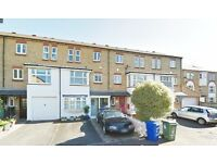 HUGE 5 BED HOUSE IN SE1 PERFECT FOR STUDENTS £930PW AUGUST!!!