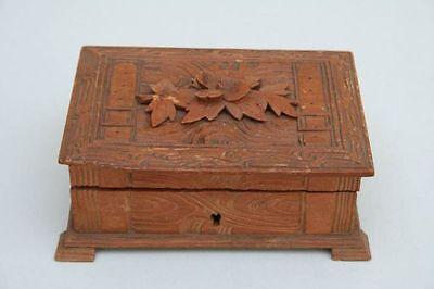 Kästchen, Schmuckkasten, Holz geschnitzt, um 1890