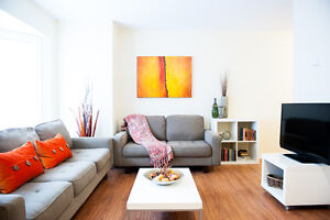 GORGEOUS FULLY FURNISHED 3 BEDROOM IN CENTRAL LONDON – NEW RENO!