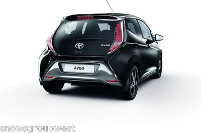4 X NEW QUALITY RUBBER MUDFLAPS TO FIT  Toyota Aygo UNIVERSAL FIT
