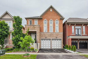 Richmond Hill Detached 3 Brdm 4 Bthrm with Finished Basement