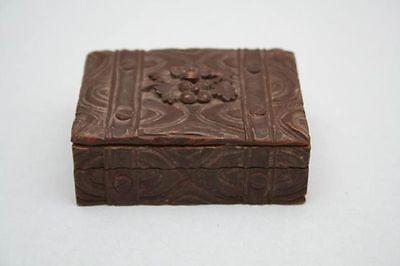 Behälter für Briefmarken, Holz geschnitzt, um 1900