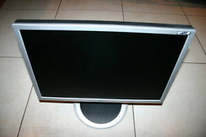 "LG L204WT-SF Silver 20"" 5ms Widescreen LCD Monitor"