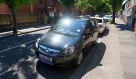 £2400 Vauxhall ZAFIRA 2014