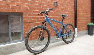 Trek Aluminum Mountain Bike/disc brakes(M~L)