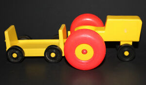 Vintage FISHER PRICE Little People TRACTOR & CART 915 Farm