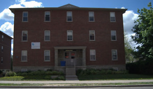 27 Bricker Ave - May to Aug Female Student Sublet WLU/UW