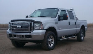 2006 Ford F-350 XLT Crewcab 6L Dsl 4X4 Short Box