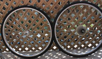 ROUES 700 Wheels (USA RIGIDA Rims + 2 NEW tires + Inner tubes)