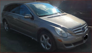 2006 Mercedes-Benz R-Class R500 w/Tow package!