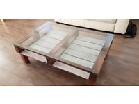 Coffee table, glass top, pallet base