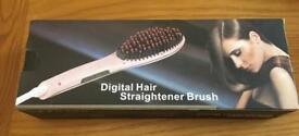 Hair Straightener Brush (in white)